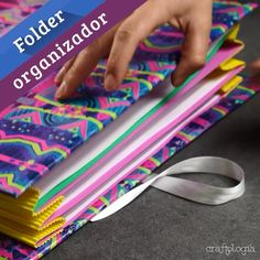 DIY Make stamping easy - cut wanted forms from foam rubber and glue it to your roll - Stempelrolle selbstgemacht - aus Moosgummi formen ausschneiden u Diy Crafts Hacks, Diy Crafts For Gifts, Diy Home Crafts, Diy Arts And Crafts, Creative Crafts, Diy Craft Projects, Craft Ideas, Cardboard Box Crafts, Paper Crafts Origami