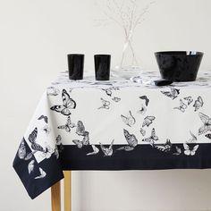 Imagen del producto Mantel y servilletas mariposas negras