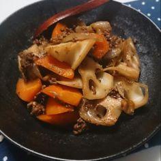 お水を使わずお野菜だけの水分で炒め煮にしました。 - 100件のもぐもぐ - 根菜の炒め煮 by funny12june