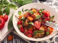 Estava eu outro dia perdida no youtube vendo receitas quando me deparei com a querida Rita Lobo preparando uma salada típica da Toscana. Confesso que achei diferente uma salada de pão e tomates&#82…