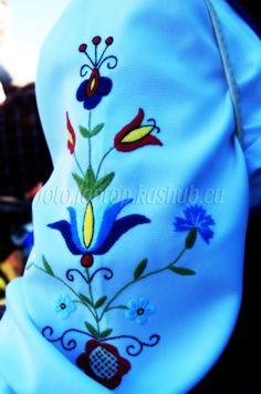 Haft kaszubski na rękawie stroju kaszubskiego