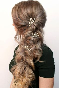 Holiday Hair Accessory Ideas ★ See more: http://glaminati.com/holiday-hair-accessory-ideas/