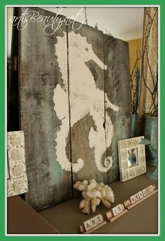 ART IS BEAUTY: Sea Horse Silhouette Pallet Art http://arttisbeauty.blogspot.com/2013/05/sea-horse-silhouette-pallet-art.html