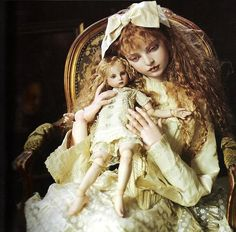 ~ Koitsukihime porcelain dolls > many of the ball-jointed polyurethane dolls attempt this nostalgic lacey effect too