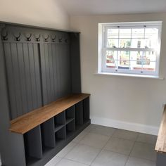Boot Room Bench with Shoe/Welly Sections Wide – Ely Farmhouse Furniture Boot Room Utility, Small Utility Room, Utility Room Designs, Boot Room Storage, Coat And Shoe Storage, Hallway Bench With Storage, White Hallway, Hallway Ideas Entrance Narrow, Bungalow Hallway Ideas