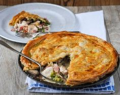 Ren Behans easy chicken pie has a creamy filling with bacon and petit pois with a puff pastry top it looks impressive and no one will leave the table hungry Mary Berry Chicken Pie, Pie Recipes, Cooking Recipes, Cooking Ideas, Recipies, Good Food Channel, Easy Meals For Kids, Potato Pie, Savoury Dishes