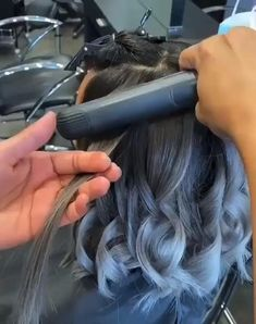 Hair Curling Tips, Curl Hair With Straightener, Hair Curling Tutorial, Straightner Curls, Hair Cutting Videos, Hair Videos, Wavy Hairstyles Tutorial, Curled Hairstyles, Grow Hair Overnight