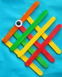 Simple Popsicle Stick Angelfish - Preschool craft for Submerged VBS. Kids Crafts, Popsicle Stick Crafts For Kids, Animal Crafts For Kids, Popsicle Sticks, Craft Stick Crafts, Preschool Crafts, Arts And Crafts, Craft Ideas, Craft Sticks