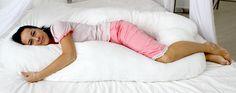 И каждого из нас в объятья ждет,  Чтобы избавить от дневных забот,  Всех терпеливей и милей подружка –  Пушистая и мягкая подушка.