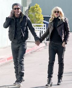 Gwen Stefani - Perfect casual chic couple style