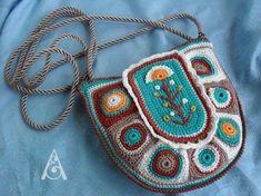 Crochet Hang Bag Pattern Ideas  #CrochetBagPatterns #CrochetPatterns #CrochetBags #Crochet