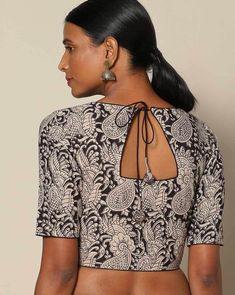 Looking for simple blouse back neck designs to try with cotton sarees? Here are our picks of 20 mind blowing blouses that will bright up your saree look, Blouse Back Neck Designs, Blouse Neck Patterns, Cotton Saree Blouse Designs, Simple Blouse Designs, Kurti Neck Designs, Designer Blouse Patterns, Simple Blouse Pattern, Kalamkari Blouse Designs, Kalamkari Saree
