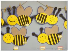 Five for Friday {Linky Party… August Ladybug Crafts, Bee Crafts, Preschool Crafts, Paper Crafts, Preschool Classroom, Art For Kids, Crafts For Kids, Arts And Crafts, Suncatcher