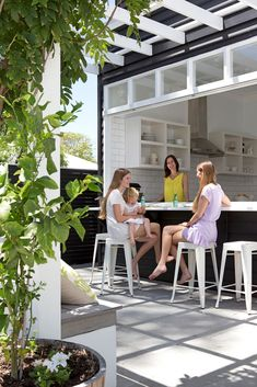 Gallery - Kirk and Suzanne's Perth cottage renovation The servery: Family members gravitate to the i Indoor Outdoor Kitchen, Outdoor Kitchen Design, Outdoor Rooms, Outdoor Living, Indoor Bar, Outdoor Showers, Outdoor Kitchens, Outdoor Gardens, Kitchen Window Bar