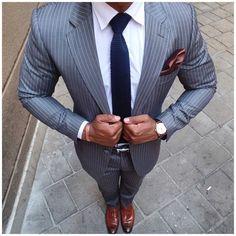 Debonaire  #dapperworld #suit #suitup #dapper #sleek #tie #pocketsquare #watch #lifestyle #businessman #gentleman #gentlemansclub #suitandtie #class #style