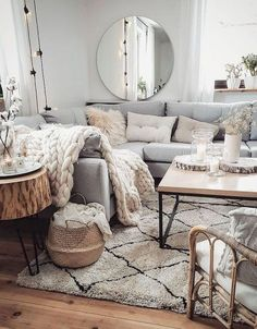 Home interior Design Videos Living Room Hanging Plants Link – Right here are the best pins around Coastal Home interior! Living Room Decor Cozy, Boho Living Room, Cozy Room, Living Area, Sofa Skandinavisch, Scandinavian Living, Cozy House, Living Room Designs, Home Furnishings