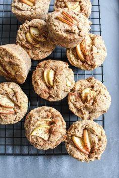Gesunde Apfel-Zimt Muffins Healthy apple cinnamon muffins - gluten free, no refined sugar, vegan, pure vegetable - de. Healthy Apple Cinnamon Muffins, Healthy Muffins, Cinnamon Apples, Vegan Sweets, Healthy Sweets, Muffins Sans Gluten, Egg Muffins, Muffins Sains, Gluten Free Recipes