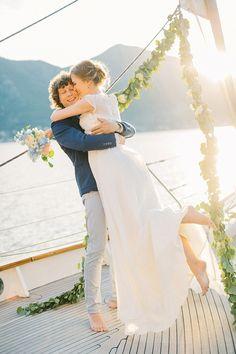 Yacht wedding with nautical sailboat wedding details Dock Wedding, Yacht Wedding, Rooftop Wedding, Wedding Prep, Wedding Venues, Wedding Ceremony, Wedding Summer, Italy Wedding, Wedding Bride