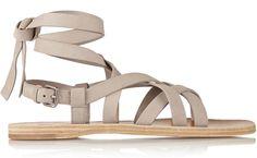 Shopping Mode Les 30 sandales de l'été 2015 : Sandales grises montantes Miu Miu http://www.vogue.fr/mode/shopping/diaporama/les-30-sandales-mode-de-lete-2015/21052/carrousel