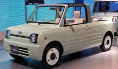 http://chicerman.com  carsthatnevermadeit:  Daihatsu Basket 2009. A utilitarian Kei car which boasted 4 wheel drive that could be configured as a 4-seat convertible or a 2 seat pick-up  #cars
