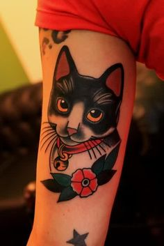 Traditional Kitty Cat Tattoo On Muscles