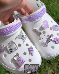 Nike Air Shoes, Crocs Shoes, Crocs Men, Cool Crocs, Designer Crocs, Crocs Fashion, Croc Charms, Bling Shoes, Accesorios Casual