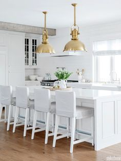 """Co-host of HGTV Canada's Love It or List It Vancouver"""" & Former Bachelorette, Jillian Harris, shares advice on how to pick the perfect countertop. Co-host of HGTV Canada's Jillian Harris, Style At Home, Layout Design, Design Ideas, Design Inspiration, New Kitchen, Kitchen Decor, Kitchen Ideas, Kitchen Inspiration"""