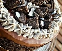 Making this one short and sweet, folks. Here is how you make an Oreo Cake: Oreo Cake (it's an Oreo Cake) One recipe Beatty's Chocolat.