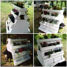 An original doghouse that is also a planter, to place in the garden and give a different touch. Se trata de una caseta para perro y a la vez jardinera, par
