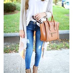 Your outfit should be cozy enough to keep you warm but additionally, it needs to seem good too. Christening outfits are offered in various budget strengths. The ideal travel outfit is in fact super… Fall Winter Outfits, Autumn Winter Fashion, Spring Outfits, Summer Outfits, Winter Style, Autumn Style, Spring Style, Look Fashion, Fashion Outfits