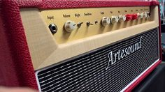 Artesound Drive20 headTwo Channel Head, 22W with 6V6, 35W with 5881 or EL34 Hand wired p2p on eyelet board.The Drive20 amplifiers features a custom transformer, with fixed bias system.The Drive20 head has two channels: Clean and Overdrive SpecificsAB1, fixed biasPower output: 22W-35WControls: Volume, Treble, Midle, Bass, Drive, Level, Master, PresenceBright switch, Normal/overdrive front panel switch and foot-switchBuffered serial-Parallel fx loop with send e return level4/8/16 ohm speker…