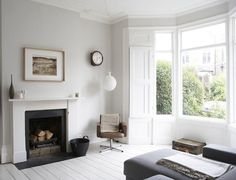 Victorian terrace house design - House and home design White Painted Floors, Painted Floorboards, White Floorboards, Painted Wood, White Flooring, Victorian Terrace Interior, Victorian Homes, Terraced House, Lounge Design