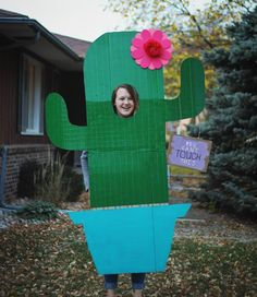 Awesome Mexican Wall Costume With Donald Trump Sign | Donald trump ...