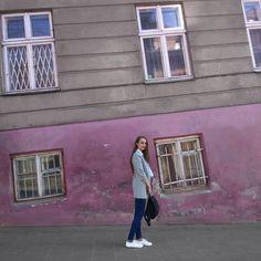 Ну що, вас вже відлупили баськами?) . . Всім гарного недільного дня 😘 . . . . . . #лавандове_море #lavandersea #lavander_mood #Lviv #ua #vscoua #vsco #grey #girl #breakyourbrain #l4l #f4f #me #longhair