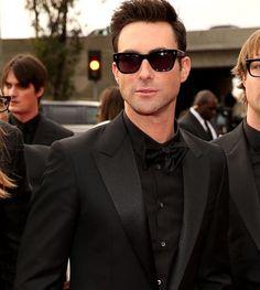 Adam Levine #grammys #redcarpet