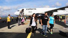 Llegan turistas a Oaxaca, aumentó el flujo de pasajeros en aeropuertos - NVI Noticias