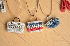 crochet necklace ༺✿ƬⱤღ http://www.pinterest.com/teretegui/✿༻