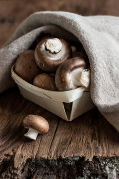 61 Ideas For Photography Food Mushroom Fruit And Veg, Fruits And Vegetables, Food Photography Props, Fruit Photography, Cooking Ingredients, Mushroom Recipes, Mushroom Food, Healthy Fruits, Edible Art