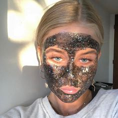 Introduction: DIY Cloth Face Mask Why You Should Make (and wear!) Your Own Cloth Face Mask (and how do it) With highly contagious coronavirus rapidly spreading throughout the world, many people are shopping for surgical Beauty Care, Beauty Skin, Beauty Makeup, Beauty Hacks, Hair Beauty, Beauty Tips, Beauty Ideas, Beauty Products, Selfies