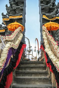 There are many temple in Bali. Definitely visit one while you are staying on this magic island. I've visited the temple Pura Ulun Danu Batur which was. Temple Bali, Bali Lombok, Magic Island, Backpacking Asia, Beautiful Places In The World, Balinese, Amazing Destinations, Southeast Asia, Temples