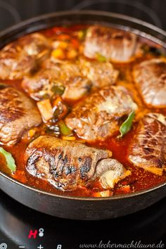 Rinder-Rouladen {klassiker A recipe for a classic: beef roulades. Dutch Recipes, Russian Recipes, Greek Recipes, Pork Recipes, Cooking Recipes, Slow Cooker Recipes, Clean Eating Recipes, Easy Healthy Recipes, Easy Meals