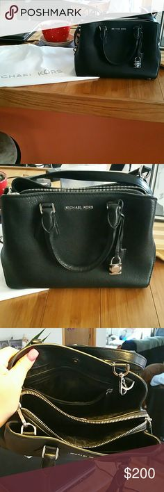Small Mk Crossbody**Low price** Black brand new without tags mk crossbody/handle bag, size small, comes with dustbag. I love it but needed something bigger. Price is lowest, get it while you can! REALLY NEED TO SELL THIS PLEASE MAKE A REASONABLE OFFER MICHAEL Michael Kors Bags Crossbody Bags