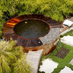 a good solution for a round hot tub. hot tub / plunge pool integrated into landscape. Hot tub with fountain, surrounded by. Very inventive, unique. Outdoor Spa, Outdoor Gardens, Outdoor Living, Outdoor Ideas, Indoor Outdoor, Outdoor Decor, Hot Tub Garden, Hot Tub Backyard, Backyard Ponds
