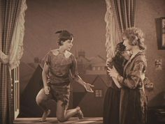 Esther Ralston (who played the role of Mrs. Darling) was only 22 when she filmed Peter Pan.