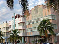 The One Day Miami Tour by Gray Line Orlando Tours takes you through the tropical oasis of Miami Beach for you to enjoy the clear blue ocean and soft sandy beaches Art Deco Hotel, Miami Art Deco, Architectural Styles, Miami Architecture, South Beach Miami, Miami Florida, Art Deco Buildings, Beach Photos, Tours