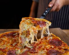 Pizza Chef, Pizza Maker, Pizza Rica, Pizza Mexicana, A Food, Food And Drink, Pizza Special, Order Pizza, Pizza Restaurant