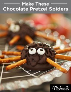 These creepy crawlers make the perfect Halloween treat! Share them with friends and family or serve them at your Halloween party. Add pretzel legs to chocolate sandwich cookies and drizzle with Wilton® Candy Melts®. Don't forget the cute candy eyeballs to make your spiders complete!