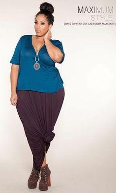curvy fashion, I like the knotted skirt :)