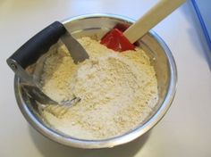 Save $$ with this recipe for homemade baking mix (like Bisquick).
