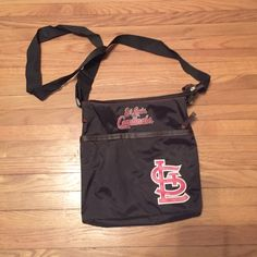 ❤️⚾️STL Crossbody Black with adjustable strap and has front pouch and a zip closure. Never been used! Bags Crossbody Bags